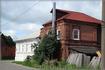 старый дом с новыми рамами