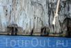От нашей поездки в одну из главных достопримечательностей Капри - голубой Грот(Grotta Azzurra), остались самые смачные впечатления. Да, да, вот она, та ...