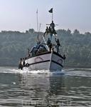 Рыбаки как пираты из детских сказок)))