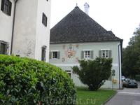 Часть здания замка Landschloss Ort