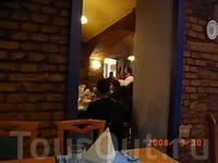 вход в румынский ресторан