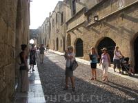 Туристы на улице Рыцарей.