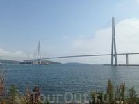 Владивостокская крепость. Русский мост соединяет о. Русский и материк.