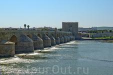 Римский мост. Сколько людей прошли по нему за много веков?