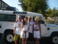 на этом джипе мы приехали на экскутсию,наш гид Ганнибал.Советую всем посетить Фамагусту,там действительно очень красиво!!!