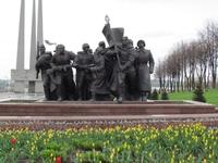 На площади памяти героев ВОВ.