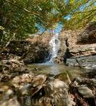 Водопад - это всегда красиво и завораживает - шум падающей воды, пение птичек и головокружительный запах хвои.