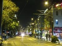Улица Диван-йолу