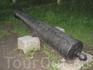 Старинная пушка в парке.