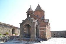 Как столица Арташат стала известна истории благодаря основателю династии Арташесидов, так и Хор Вирап прославился исторически благодаря деятельности Григора ...
