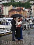Берген - самый дождливый город! говорят, здесь мужчины предлагая девушкам руку и сердце, дарят не кольцо с бриллиантами, а пару резиновых сапог :))