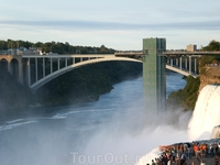 Мост через Ниагара, соединяющий США и Канаду