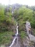 Водопад в парке Боржоми. Недалеко от него пили минеральную воду из источников. Она оказалась теплой и невкусной, но от этого не менее полезной. Нам рассказали ...