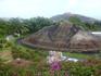 макетик вулкана - самой главной островной достопримечательности