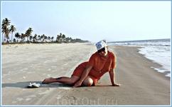 бескрайние дали пляжа поражают воображение!можно было взять велики на прокат,но они у них такие не подьемные,такое впечатление что из чугуна,по песку их ...