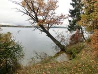 И вот так, под шорох осенних листьев, под мерный перестук капель дождя и подошло к концу наше путешествие.
