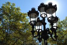 Фонарям в Барселоне уделяется огромное внимание.