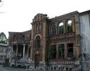 Старое здание школы в Сухуме...