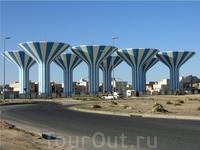 пресная вода в Кувейте опресняется в таких резервуарах.