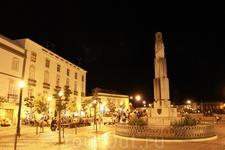 Центральная площадь Тавиры