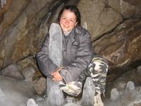 Пещера на Чусовой, сталагмитов и сталактитов и сталагнатов как в Кунгурской ледяной пещере. Вход бесплатный.))))))))))