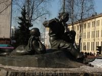 Памятник Семиону Музыке. Площаддь Якуба Колоса.