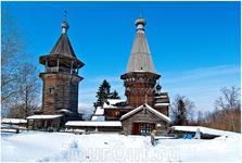 Вблизи церковь и колокольня кажутся почти одинаковыми, но церковный   шатер гораздо выше, и благодаря этой разнице издалека рисуется красивый   и запоминающийся ...
