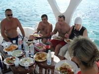 Обед на яхте