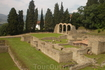 Это развалины римских построек в древнем этрусском городке Фиесоле; Флоренция (тогдашняя Фиорентина была построена, чтобы конкурироватьс ним). Добраться ...