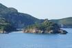 вид из Палеокастрицы на пляж Limni
