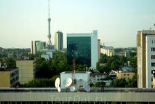 UNIC (Uzbekinvest) белое здание