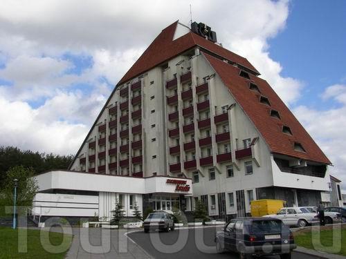 """Гостиница  """"Агат """" расположена в очень живописном районе на окраине Минска рядом с сосновым лесом и водной системой с..."""