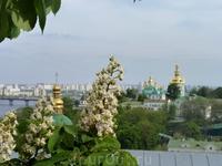 Вид на левый берег Киева со стороны Лавры