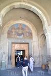 За всю долгую историю Светицховели не раз разрушали и реставрировали. Самая значительная реконструкция была проведена сначала в XV веке, когда купол собора ...