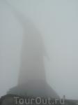 в городе солнце яркое, на горе Корковадо облако ... туман :)