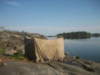 походная баня, удовольствие неземное. Сразу после бани можно окунуться в прохладные воды Ладожского озера