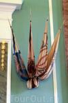 Долгое время Петропавловский собор являлся памятником славы русского оружия. Здесь на протяжении двух столетий хранились трофейные знамена, ключи от захваченных ...