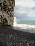 Черные пляжи у океана