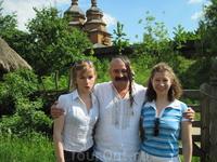 словили местного казака, он с большим удовольствием нам попозировал