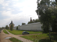 Вид Спасо-Прилуцкого монастыря с  дороги