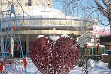 возле Дворца бракосочетания на Московском проспекте
