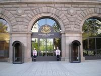 Почетный караул у Президентского дворца.