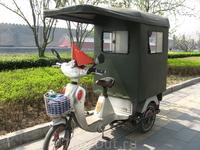 Велорикша - такое средство передвижения всегда вызывает особый интерес у туристов