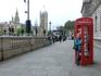 Фото на память. Кстати, хозяйственные англичане приспособили свои телефонные будки для раздачи wi-fi по городу. Есть какое-то время бесплатное, по-моему ...