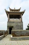 Пятый этап. Город Цюаньчжоу, провинция Фуцзень, Китай. Крепость Chong Wu Крепость Chong Wu.    Расположена в провинции Фуцзень, город Цюаньчжоу, уезд Hui An, на юго-   востоке. Построена во времена ди