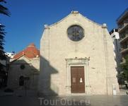 Старая церковь Святого Минаса (на переднем плане) и церковь Святой Екатерины Синайской.