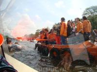 мы тоже в этот день были на лодке, правда на экскурсионной!