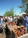 Сувениры из глины: свистульки, вазы, горшки, турки для варки кофе и пр.