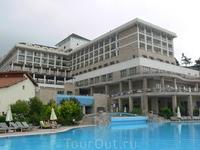 Главный корпус отеля.