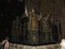 Кафедральный собор. Захоронение Х. Колумба. Прах находится в саркофаге, который несут эти статуи